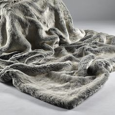 Leather Sofa Alaska Fox Luxury Fur Throw with Suedette Reverse to use on sofas beds settees couches and chairs