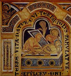 Nicolas de Verdun, En 1181, il exécute en virtuose la commande de Werner, prieur de l'abbaye de Klosterneuburg en Autriche, tout près de Vienne. Il crée alors son chef-d'œuvre parmi les chefs-d'œuvre : le magnifique ambon émaillé, sous forme de triptyque, représentant 51 scènes bibliques.
