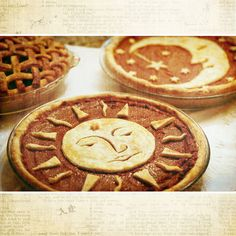 """Celestial Pies >> Perfect for a Solstice Celebration or Thanksgiving or Xmas. > Perfect for a Solstice Celebration or Thanksgiving or Xmas.""""> Celestial Pies >> Perfect for a Solstice Celebration or Thanksgiving or Xmas. Pie Crust Designs, Dessert Recipes, Desserts, Holiday Recipes, Holiday Pies, Snacks, Sweet Tooth, Sweet Treats, Food And Drink"""