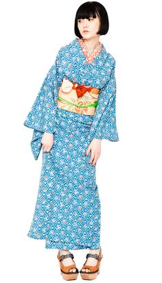 Variation 1 Yukata Kimono, Kimono Fabric, Kimono Dress, Japanese Costume, Japanese Kimono, Fashion Beauty, Girl Fashion, Modern Kimono, Japanese Outfits