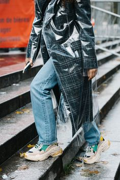 Raincoats For Women Weather Key: 5687974209 Black Rain Jacket, Rain Jacket Women, Raincoats For Women, Jackets For Women, Balenciaga, Green Raincoat, Only Fashion, Outfits, Suits