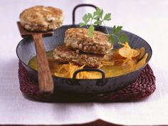 Walnuss-Tofu-Bratlinge mit Karottengemüse |