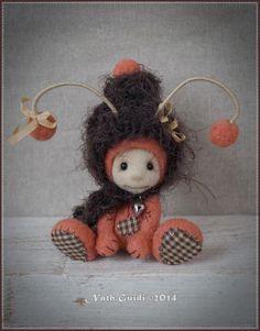 Mini Luciole Orange by Nath Guidi Needle Felting, Whimsical, Creations, Teddy Bear, Etsy, Wool, Vintage, Christmas Ornaments, 2013