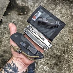 """@theeug has an awesome page. An EDC moment :: """"Today's work stuff. Don't show the wallet much but this thing is by far one of the toughest wallets I have owned. And I'm real hard on wallets somehow. I'm sure you have all heard of @recycledfirefighter by now but just in case you haven't give his stuff a look.""""            Double Tap  @edcarmory  #emersonknives #emersonminicommander #minicommander #leatherman #leathermanrev #olight #olightflashlights #s1baton #recycledfirefighter #rfrookie…"""