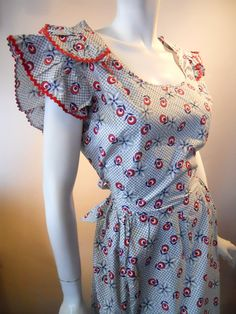 Red white and blue cotton house dress with ric rac and ruffles. Found at Dorothea's Closet Vintage Aprons Vintage, Vintage Fabrics, Vintage Dresses, Vintage Outfits, Vintage Sewing, Vintage Clothing, 1930s Fashion, Vintage Fashion, 1930s Dress