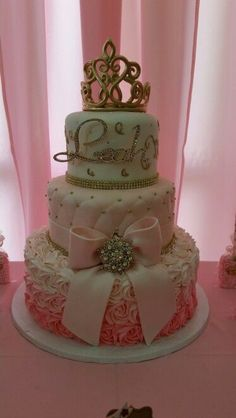 Ideas For Birthday Cake Princess Crown Baby Shower - Birthday Parties - Baby Tips Baby Shower Cakes, Deco Baby Shower, Girl Shower, Baby Shower Parties, Baby Shower Princess, Baby Princess, Princess Theme Cake, Royal Princess Birthday, Princess Sweet 16