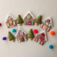 Игрушки на елку своими руками: пряничные домики из фетра http://joinfo.ua/leisure/myhouse/1191940_Igrushki-elku-svoimi-rukami-pryanichnie-domiki.html  Самыми милыми и трогательными игрушками для украшения новогодней елки можно назвать те, что созданы вручную. А если к такому веселому занятию привлечь детей, то Новый год станет настоящим теплым и семейным праздником. Мы предлагаем вам сделать из фетра игрушки на елку своими руками. Игрушки на елку своими руками: пряничные домики из фетра…
