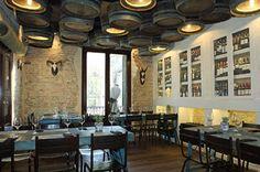 Premio al restaurante mejor diseñado, ¿qué os parecen los barriles haciendo de luminarias? - Casa_Guinart_Dissenyados_1