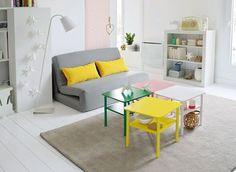 Des tables basses colorées