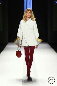 #rojos #mostazas #excentricidad #delpasadoalfuturo #runway #beauty