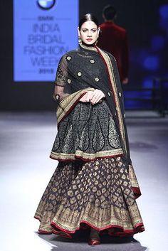 Wedding Show Archives Pakistani Bridal Wear, Pakistani Dress Design, Pakistani Dresses, Indian Dresses, Indian Outfits, Pakistani Suits, Anarkali Suits, Western Outfits, India Fashion Week
