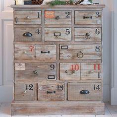 """Kommode Sie sparen %  Kommode """"Nummero"""" mit verschieden grossen, nummerierten Schubladen, die über unterschiedliche Griffe verfügen. Aus Holz. Ca. 95 x 82 x 36 cm.  Bestellnummer: 4343603  CHF 799.00"""