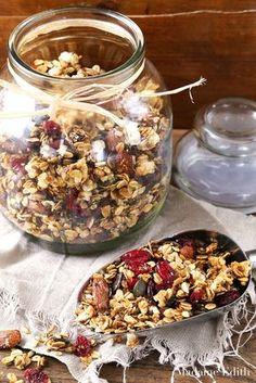 Granola z migdałami i żurawiną - Madame Edith Gordon Ramsay, Granola, Acai Bowl, Oatmeal, Lunch Box, Food And Drink, Breakfast, Sweet, Fitness