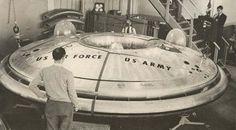 Avro Canada VZ-9 Aviocar Aeronave VTOL em formato de disco, desenvolvida como parte de um projeto militar secreto dos EUA em 1959.  Original: http://aeromagazine.uol.com.br/artigo/avioes-mais-estranhos-da-historia_2815.html#ixzz4g8KwsQUb Follow us: aeromagazine on Facebook