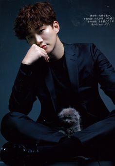 Junho and kittens Korean Men, Asian Men, Korean Actors, Asian Guys, Korean Dramas, Asian Actors, Jay Park, Beautiful Voice, Beautiful Men