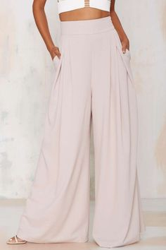 These pants are the coolest things. Heck yes I want to wear a sheet in public