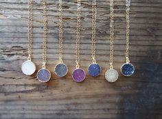 Agate Druzy Gold Necklace Gemstone Gold Necklace Drusy par LUSIX