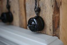 Porcelain light switch / Posliinikytkin, tee sähköt tyylillä niin kuin ennenvanhaan - Domus Classican verkkokaupasta www.domusclassica.com