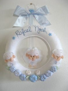 Baby Shawer, Baby Kind, Baby Lamb, Felt Crafts, Diy And Crafts, Baby Cot Mobiles, Dollar Tree Wedding, Baby Banners, Felt Wreath