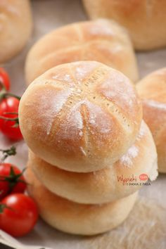 Zwykłe pszenne bułeczki - kajzerki Bread Recipes, Cake Recipes, Snack Recipes, Cooking Recipes, Pan Bread, Bread Baking, Polish Recipes, Polish Food, Sweet Desserts