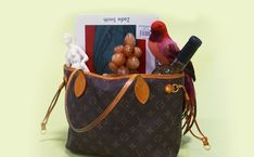 Find out how to authenticate one of Louis Vuitton's most popular handbags with tips from our expert.
