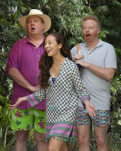 Trailer, promos, clip, featurette, images and poster for the eleventh and final season of MODERN FAMILY. Modern Family Lily, Modern Family Memes, Modern Family Tv Show, Greys Anatomy, Aubrey Anderson, Morden Family, Funny Disney Jokes, Family Boards, American Illustration