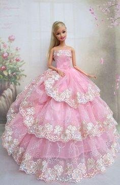 Barbie Sewing Patterns, Doll Dress Patterns, Barbie Gowns, Barbie Dress, Barbie Fashionista Dolls, Diy Barbie Clothes, Barbie Model, Barbie Wedding, Beautiful Barbie Dolls