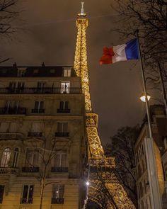 Paris est une Fête! — La Tour Eiffel by Juan P.R. Montes.