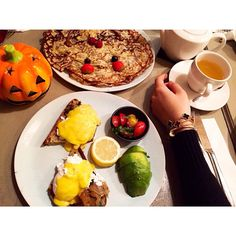 xenia tchoumitcheva @queenxenia   Websta (Webstagram)queenxenia The best way to start a Sunday is with a big brunch. Pancakes and eggs royale.