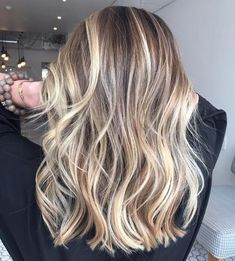 Blond balayage for brown hair - Long Hairstyles Long Layered Haircuts, Haircuts For Long Hair, Long Hair Cuts, Layered Hairstyles, Cut Hairstyles, Blonde Hairstyles, Pixie Haircuts, Updo Hairstyle, Short Cuts