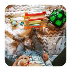 """Der kleine Maulwurf Krabbelschuhe für Babys und Kleinkinder; handgearbeitet aus Leder für eine gesunde Fußentwicklung der zarten Füßchen.    Foto von Instagram Mama """"muddi_von2""""    #Kinder #Schuhe #Baby #Babyschuhe #Krabbelschuhe #Moccasins #babymoccs #hobea #maulwurf #derkleinemaulwurf #pauli #krecik #fashion #style #babyclothes #babyshoes #babymode #Kinderschuhe #Krabbelpuschen #moccs #handmade #Puschen"""