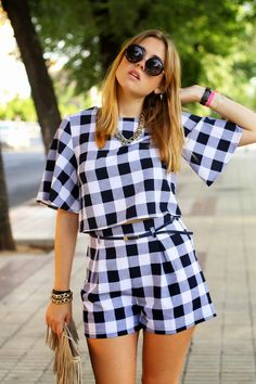 Yes, this week is all about patterns and total looks it seems. Only Fashion, Look Fashion, Teen Fashion, Casual Dresses, Fashion Dresses, Chor, Look Chic, Jumpsuits For Women, Stylish Outfits
