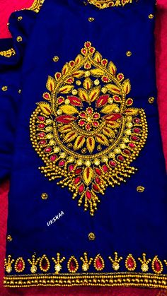 Wedding Saree Blouse Designs, Fancy Blouse Designs, Wedding Blouses, Hand Work Design, Hand Work Blouse Design, Blouse Designs Catalogue, Maggam Work Designs, Embroidery Neck Designs, Hand Designs