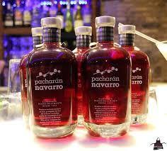 95 - LICOR PACHARÁN - HISTORIA DEL MARTINI - El pacharán es un licor, cuyo contenido alcohólico está comprendido entre 25 y 30% del volumen, obtenido por la maceración de nebrina - endrinas, frutos de color negro-azulado del endrino, en aguardiente anisado,