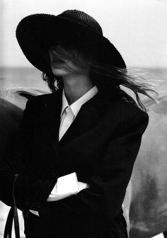 cowgirl | black & white | style | fashion | suitably dressed |