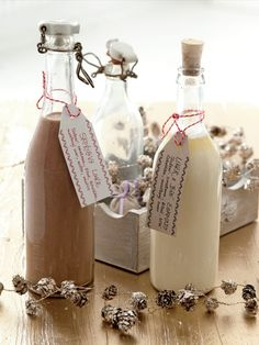 Home Canning, Home Recipes, Smoothies, Food And Drink, Alcohol, Presents, Place Card Holders, Homemade, Wine