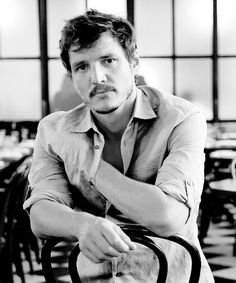 Pedro Pascal, is a Chilean-American actor. He is best known for portraying the roles of Oberyn Martell in the fourth season of the HBO fantasy series Game of Thrones and Javier Peña in the Netflix biographical crime series Narcos. Pedro Pascal Narcos, Pretty People, Beautiful People, Keanu Reeves, Attractive Men, Perfect Man, Celebrity Crush, Cute Guys, Pretty Boys