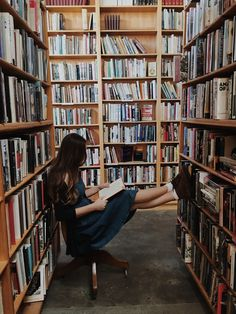 love book for boyfriend Good Books, Books To Read, My Books, Foto Baby, Book Aesthetic, Study Inspiration, Book Girl, Study Motivation, Photo Library