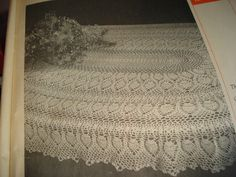 """Old Fashion """"Pineapple Oval"""" Tablecloth Hand Crocheted 