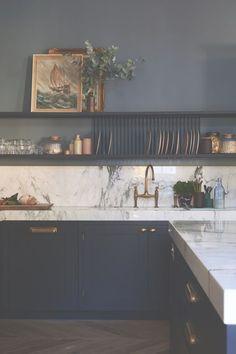 Home Decor Kitchen .Home Decor Kitchen Home Decor Kitchen, Interior Design Kitchen, New Kitchen, Home Kitchens, Kitchen Dining, Interior Livingroom, Kitchens With Dark Cabinets, Open Shelf Kitchen, Dark Blue Kitchens