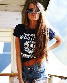 long brown hair like this! cute summer outfit too - aviators & all