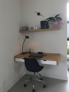 Maatwerk bureau/werkplek. Ontwerp en realisatie www.meubelenmaatwerk.nl