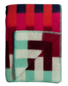 Åsmund blankets have clean geometric shapes that are softened by rich palettes. The series is inspired by textile and wool tapestries, interpreted in a modern way Pink And Green, Purple, Red Turquoise, Geometric Shapes, Norway, Textiles, Tapestry, Graphic Design, Wool