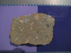 The historic Weston H4 meteorite - the first witnessed fall in America (1807, Connecticut).