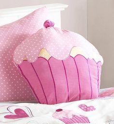 Cómo hacer un almohadón con forma de #cupcake: http://bit.ly/HCUNHn #costura