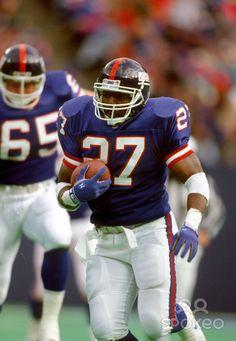 New York Giants running back (27) Rodney Hampton in action at Giants Stadium.