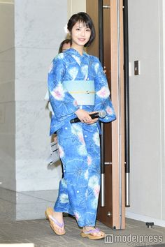 Beautiful Japanese Girl, Japanese Beauty, Yukata Kimono, Kimono Top, Japanese Characters, Pretty Girls, Asian Girl, Actors, Female