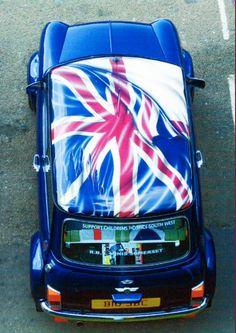 Mini With Union Jack Flag. I'm guessing it's a Scottish independence Mini, but I'm not sure. John Cooper Works, Classic Mini, Classic Cars, Mini Copper, Birmingham, Volkswagen, Union Flags, Mini Clubman, Small Cars