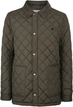 Dubarry Lightweight Quilted Men's jacket is 100% polyester with nylon linings and a PrimaLoft Filler.