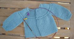 baby cardigan knitting tutorial In the present day I wish to present you a special approach of constructing a Knitted Child Cardigan. As a lot of you realize, we now have made cardig. Baby Knitting Patterns, Knitting For Kids, Crochet For Kids, Baby Patterns, Free Knitting, Knit Crochet, Knitted Baby Cardigan, Knit Baby Sweaters, Tricot Baby